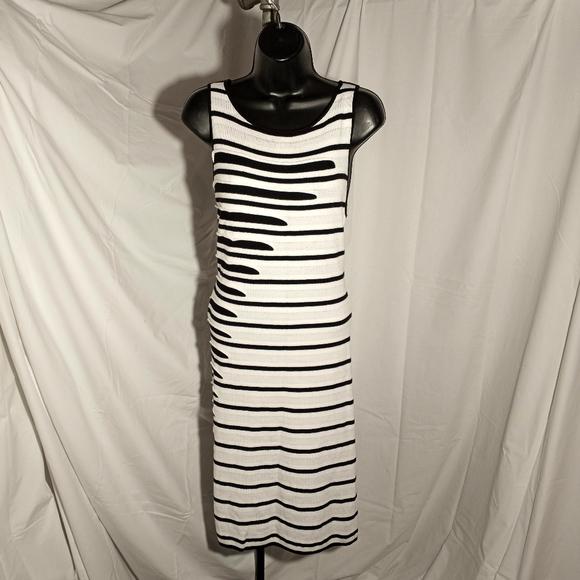 Catherine Malandrino Dresses & Skirts - CATHERINE MALANDRINO White & Black Knit Dress